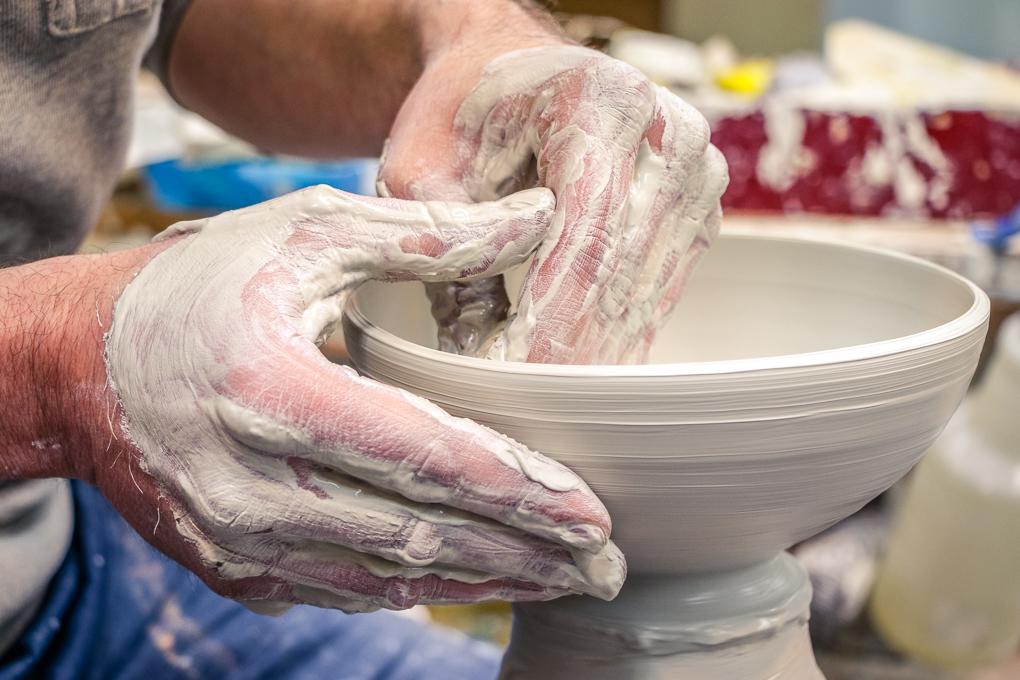 Jonathan Walburg makes pots